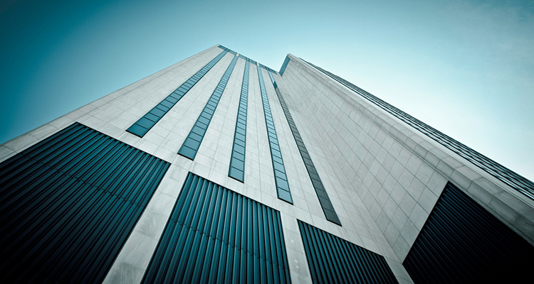 Edificio con fachada rehabilitada